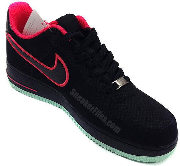 Nike Air Force 1 Low Black Solar Red aka Yeezy Sneak Peek