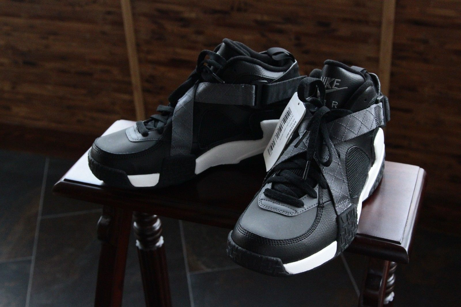 nike-air-raid-black-flint-grey-white-2014-sample-2