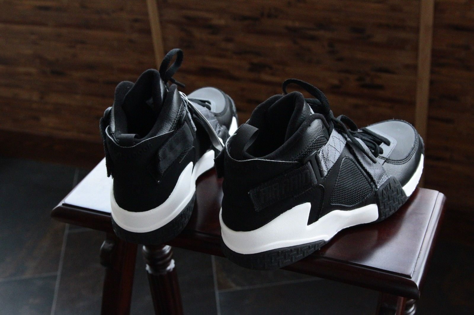 nike-air-raid-black-flint-grey-white-2014-sample-4