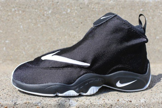Nike Air Zoom Flight The Glove Release Reminder