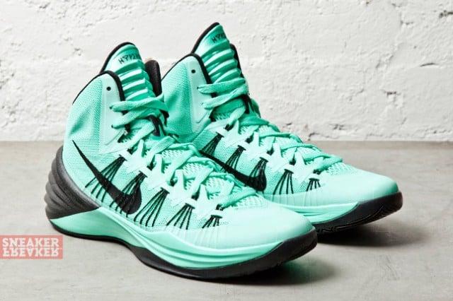 nike hyperdunk 2013 green glow sneakerfiles