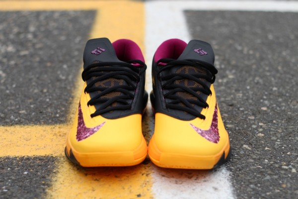 nike-kd-vi-6-peanut-butter-jelly-hitting-retailers-4