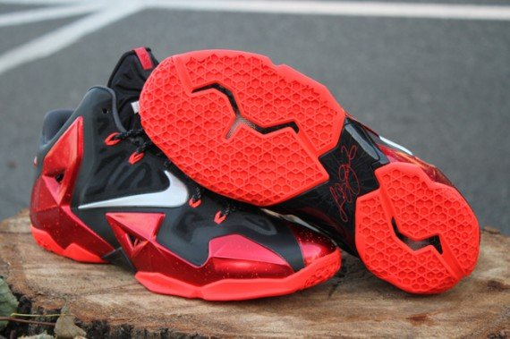 best service 1295c 6b8a6 Nike LeBron 11 Heat Away Release Reminder