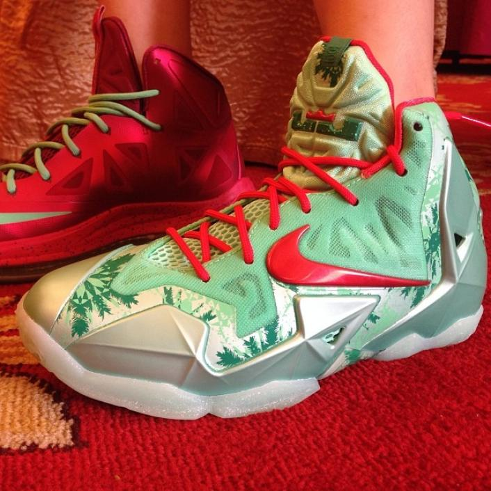 nike-lebron-xi-11-christmas-new-images-1