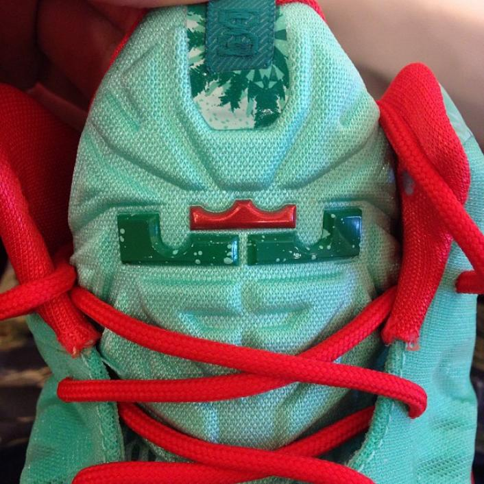 nike-lebron-xi-11-christmas-new-images-7