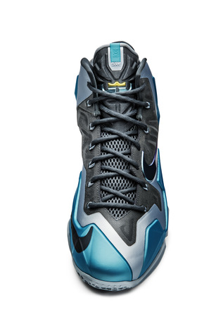 nike-lebron-xi-11-gamma-blue-officially-unveiled-7