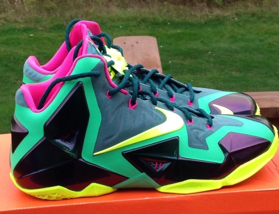nike-lebron-xi-11-t-rex-new-images-1