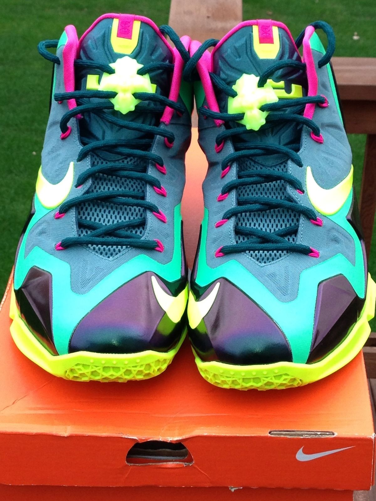 nike-lebron-xi-11-t-rex-new-images-3
