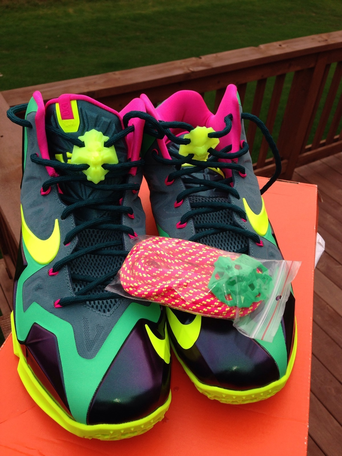 nike-lebron-xi-11-t-rex-new-images-4