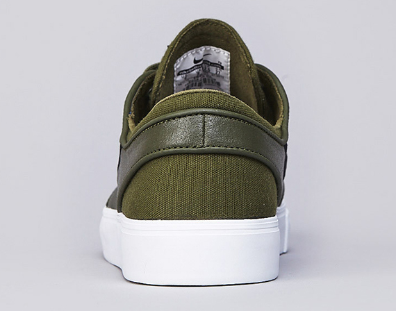 Nike SB Stefan Janoski Leather 'Legion Green/Black-White