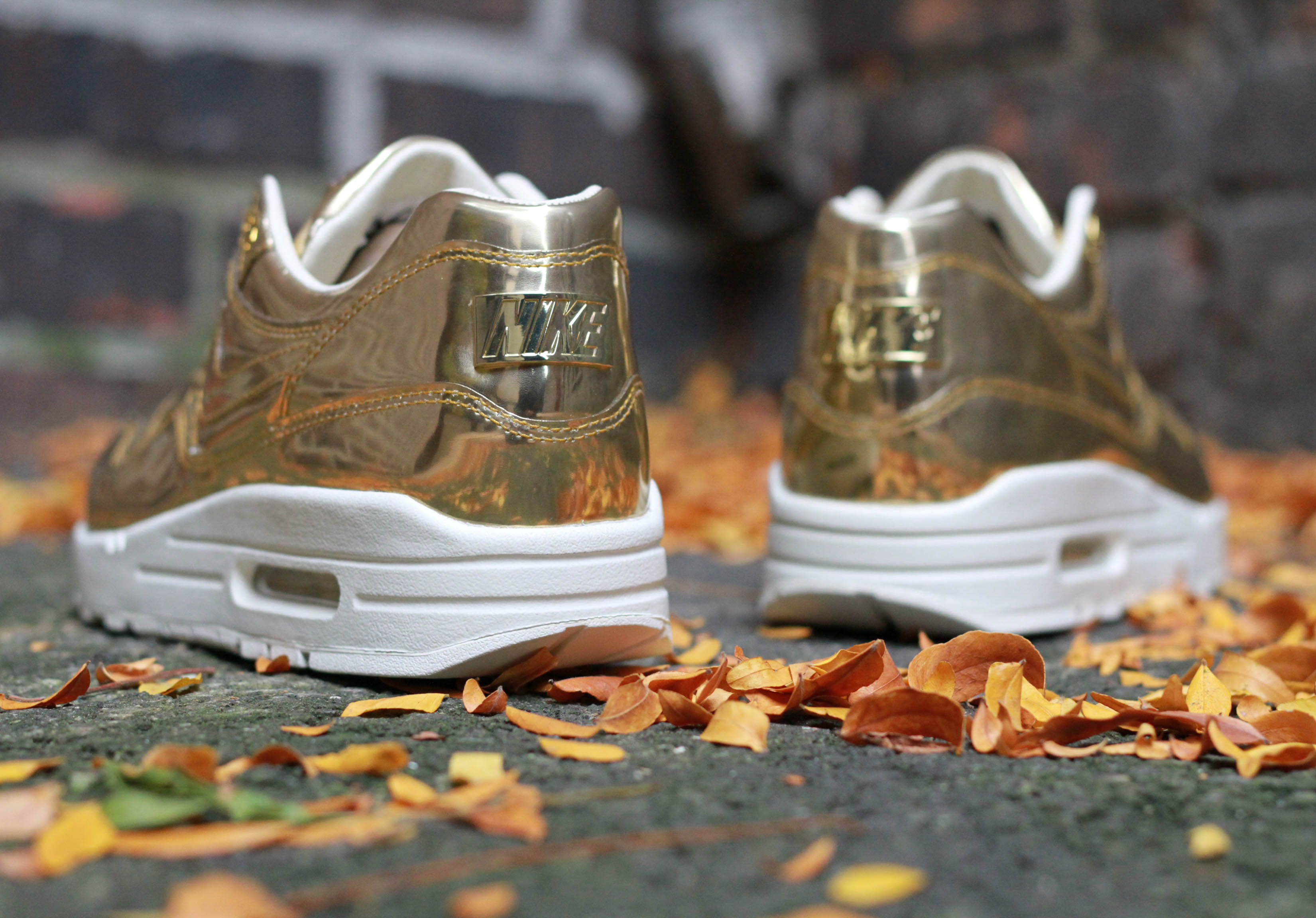 Nike WMNS Air Max 1 SP 'Liquid Gold' | SneakerFiles