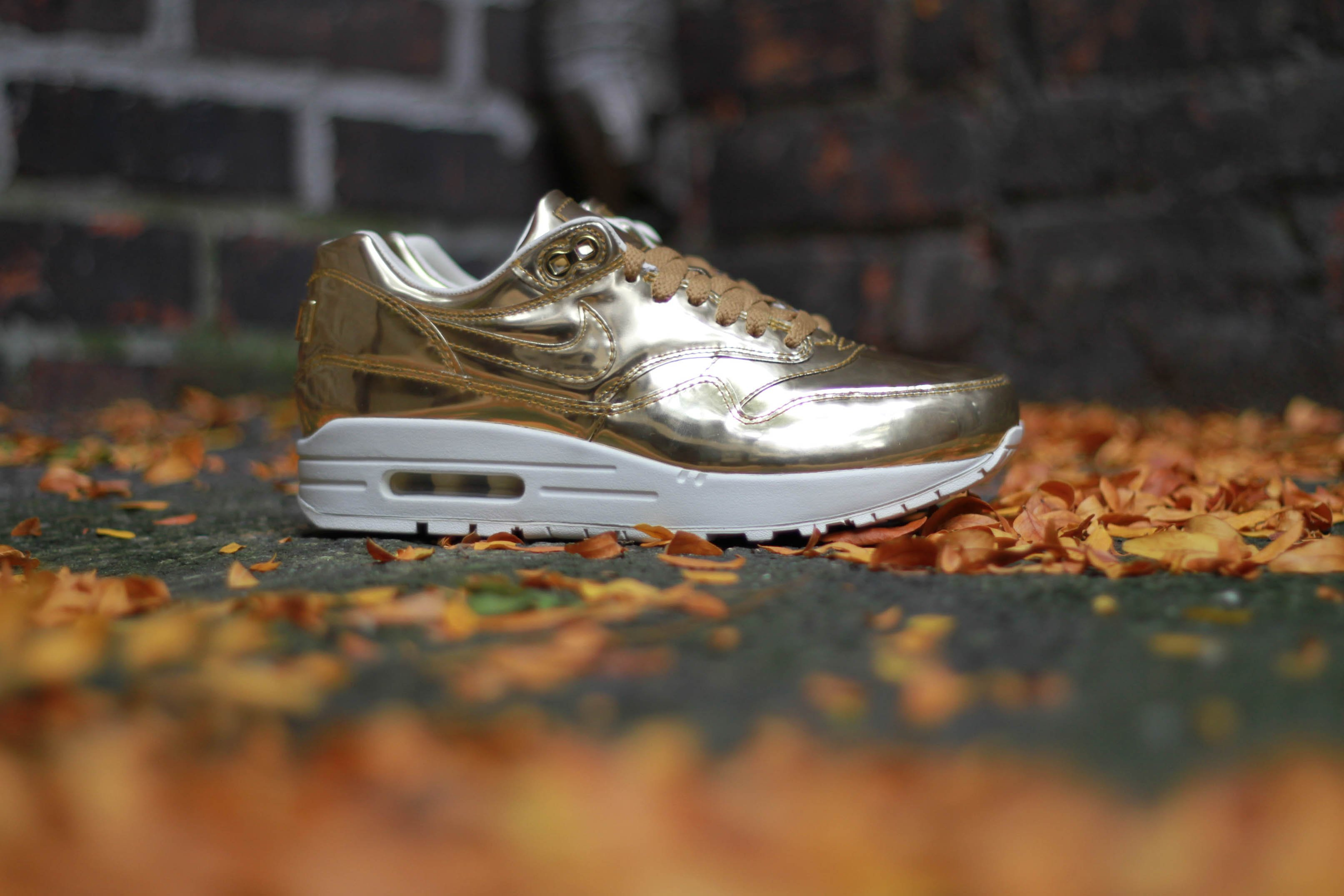 brand new e24dc 51882 Nike WMNS Air Max 1 SP Liquid Gold 60%OFF