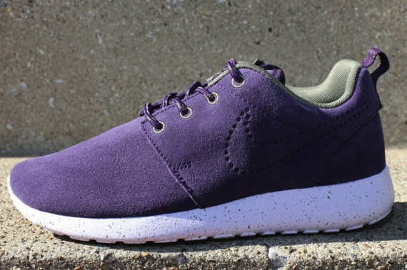 nike-wmns-roshe-run-suede-purple-dynasty-1