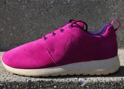 Nike WMNS Roshe Run Suede 'Raspberry Red/Raspberry Red-Purple Dynasty'