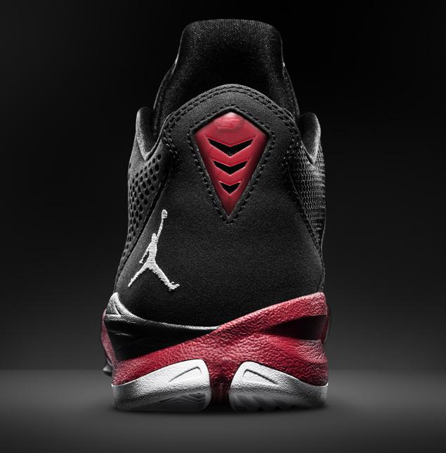 release-reminder-jordan-cp3-vii-black-white-gym-red-white-6