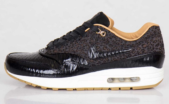 "Nike Air Max 1 FB Woven ""Black and Metallic Gold"""