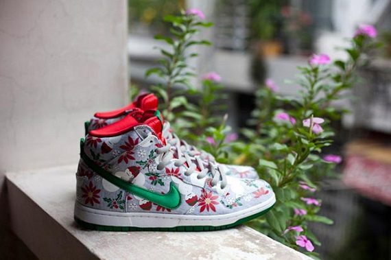 "Nike SB Dunk ""Ugly Christmas Sweater"" - Release Date"