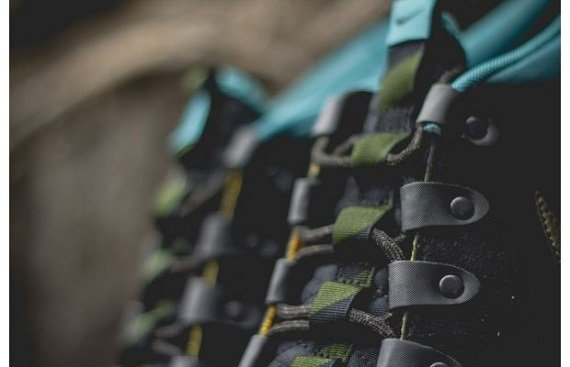 Nike Roshe Run SneakerBoot Dark Loden and Mineral Teal
