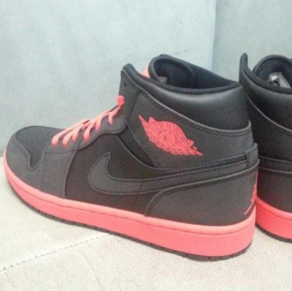 Jordan 1 BlackInfared