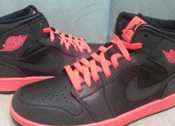 "Air Jordan 1 Retro ""Black/Infared 23″ – First Look"