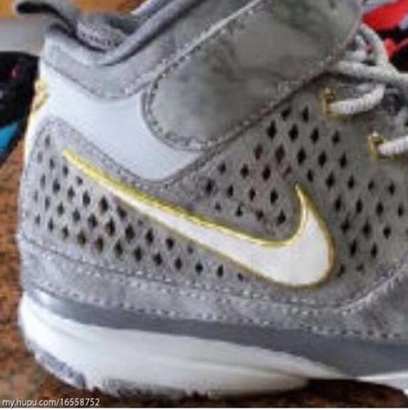 Nike Kobe 2 Retro
