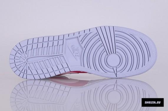 Air Jordan 1 Mid GS Hyper Fuchsia Arctic Pink Pebble Grey Now Available