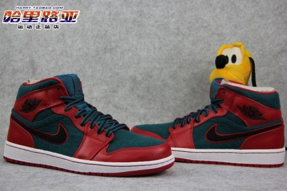 air-jordan-1-mid-gym-red-black-dark-sea-3