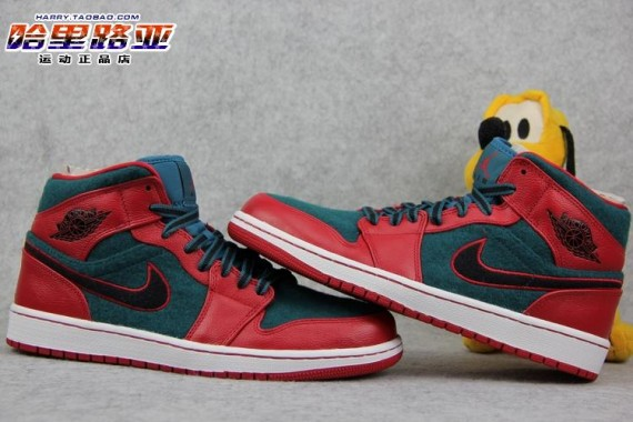 air-jordan-1-mid-gym-red-black-dark-sea-4