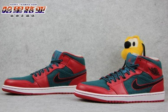 air-jordan-1-mid-gym-red-black-dark-sea-5