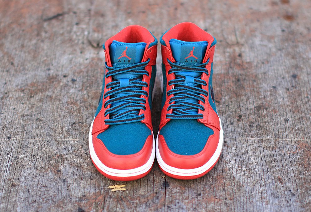air-jordan-1-mid-gym-red-black-dark-sea-new-images-2