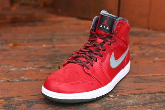 air-jordan-1-retro-hi-premier-varsity-red-dark-army-white-hitting-retailers-2