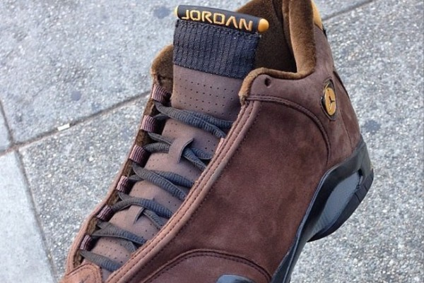 air-jordan-xiv-14-chocolate-suede-2005-sample-1