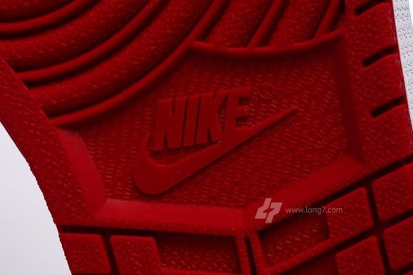 Air Jordan 1 Retro High OG Bred Yet Another Closer Look