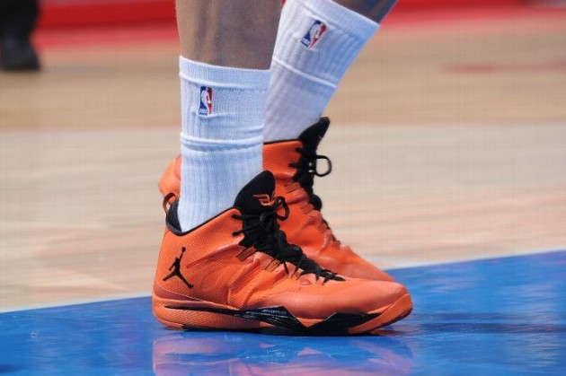 blake-griffin-catches-serious-air-in-jordan-super-fly-2-halloween-pe-1