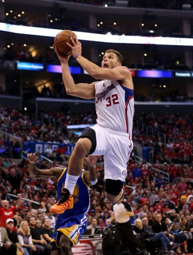 blake-griffin-catches-serious-air-in-jordan-super-fly-2-halloween-pe-2