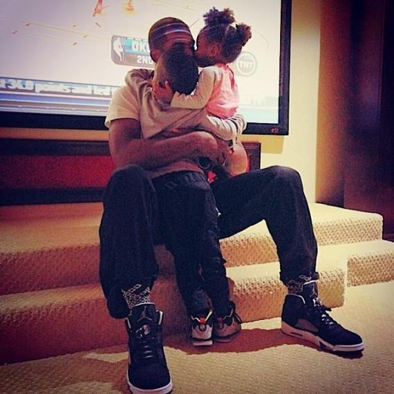 Celebrity Sneaker Watch Chris Paul in Air Jordan 5 Oreo