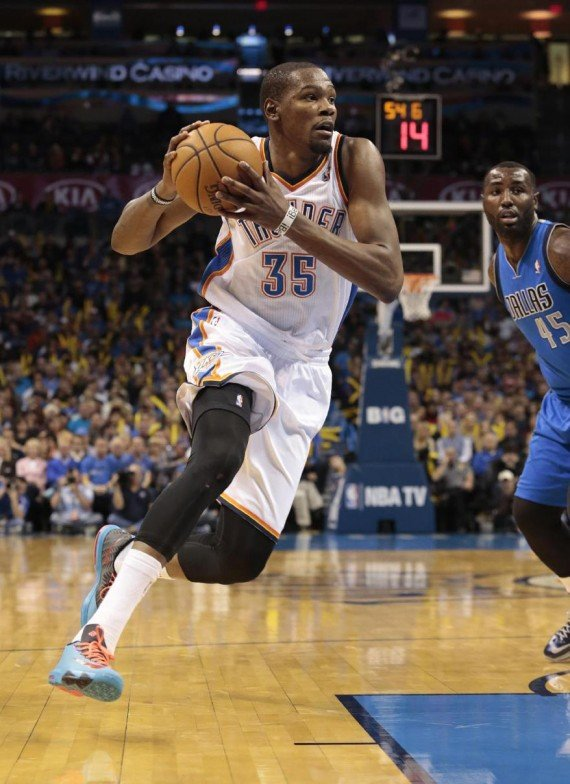 f6ef19eb5393 Kevin Durant Hits the Court in the Nike KD 6