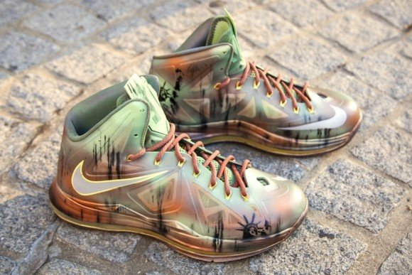 b57df2b28678 Nike LeBron 10 Statue of Liberty NYC Custom for Sneaker Con by Kickasso