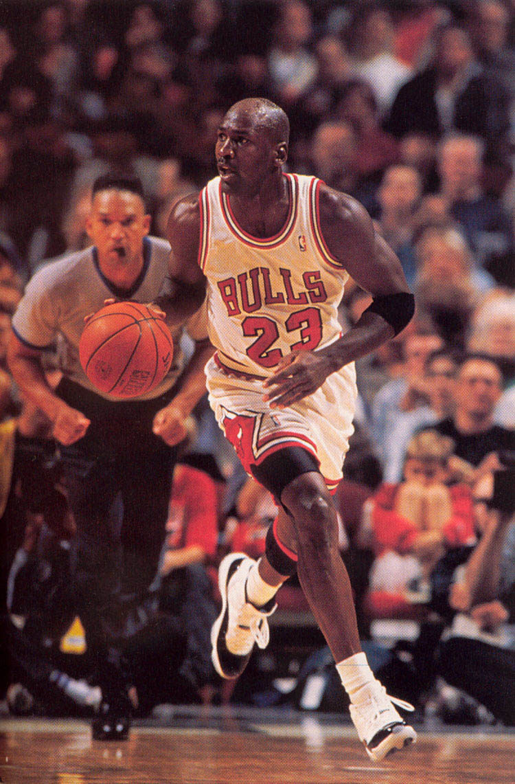 michael-jordan-names-his-favorite-kicks-of-all-time-1