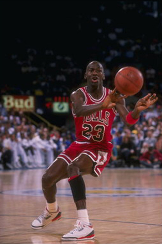 michael-jordan-names-his-favorite-kicks-of-all-time-2