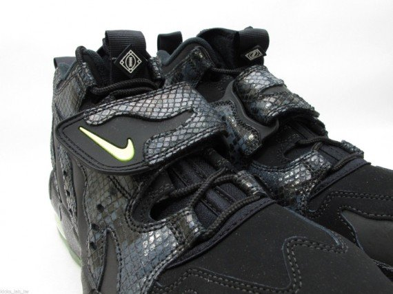 Nike Air DT Max '96 Snakeskin Another Look