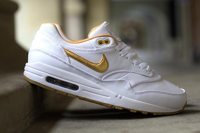 nike-air-max-1-fb-woven-metallic-gold