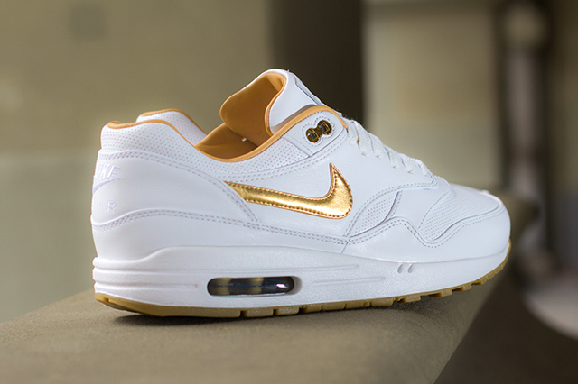 nike-air-max-1-fb-woven-metallic-gold
