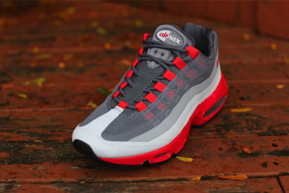 Nike Air Max 95 No Sew  Dark Grey Chilling Red   66a3dcff2