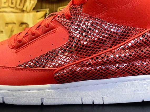 Nike Air Python Red