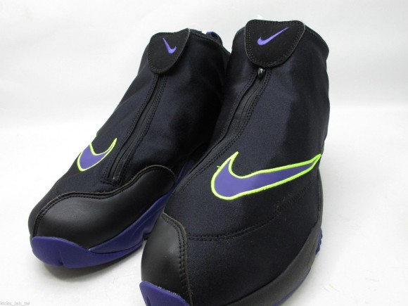 nike-air-zoom-flight-the-glove-black-court-purple-volt-new-images-4