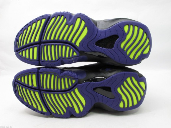 nike-air-zoom-flight-the-glove-black-court-purple-volt-new-images-6