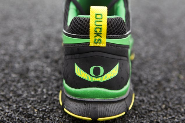 nike-free-trainer-5.0-oregon-official-images-3