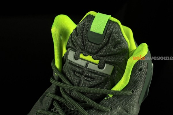 nike-lebron-xi-11-gs-dunkman-new-images-1