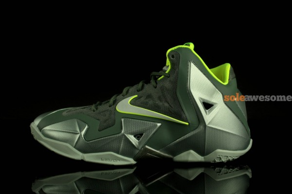 nike-lebron-xi-11-gs-dunkman-new-images-2